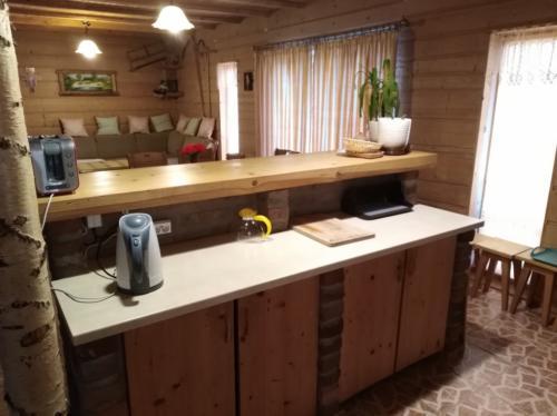 15 Salon z kuchnia