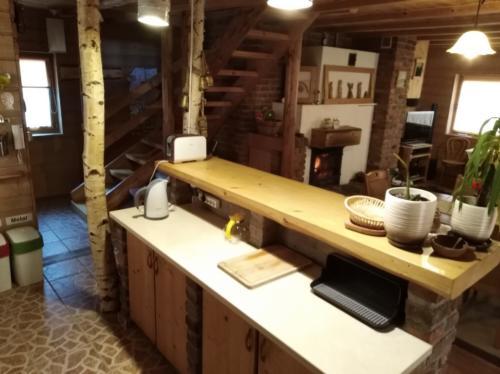 17 Salon z kuchnia